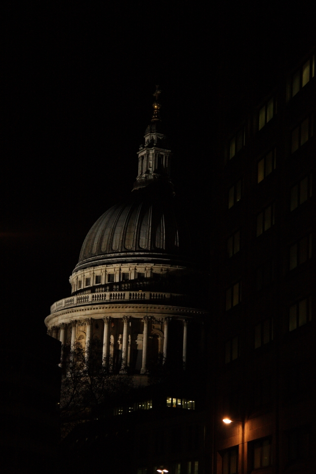 St. Paul's Cathedral by night