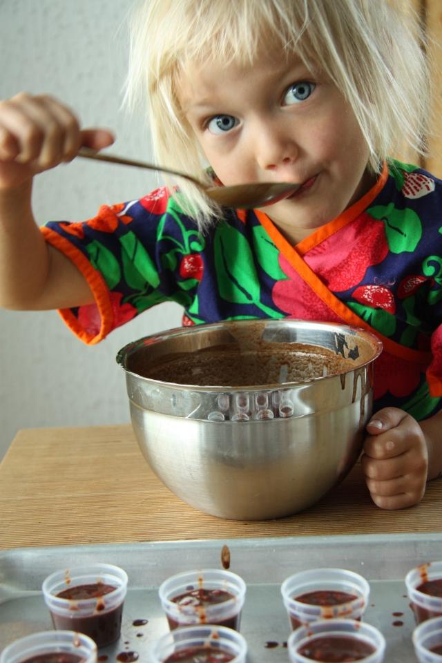 tasting raw chocolate