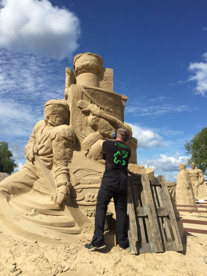 fixing the sand sculptures