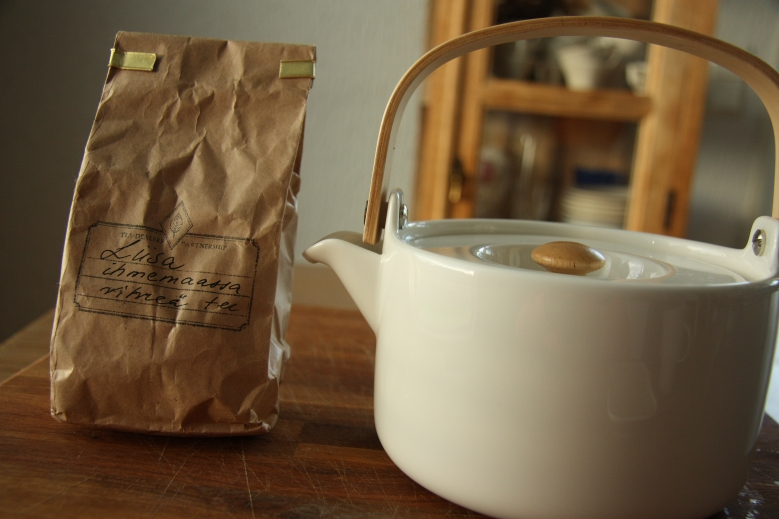 green tea marimekko teapot